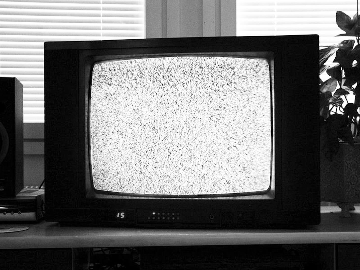 800px-TV_noise.....